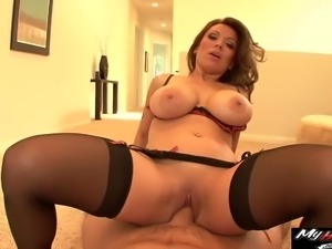 Beauty with great boobs seduces a hot guy for a formidable fuck