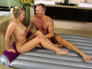 Gorgeous Bailey Brooke treats a hot mature guy to a fuck