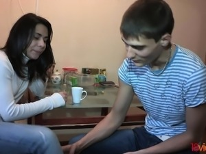 18 Videoz - Kitchen sex with teen neighbor