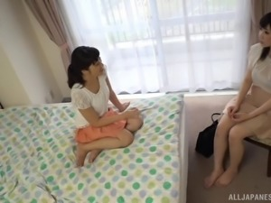 Moa Hoshizora seduced by an insatiable lesbian for a shag