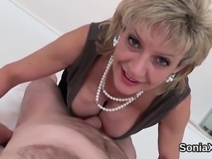 Unfaithful british mature lady sonia flashes her huge balloo