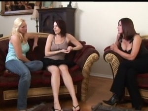 You ought not miss this incredible lesbian chicks having a cute threesome action