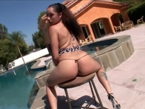 Alicia Tease has her slutty face pounded and sprayed with white juice