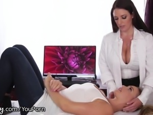 Girlsway Mia Malkova and Angela White Scissor!