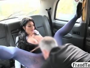 Huge rack tattooed passenger gets railed by the driver