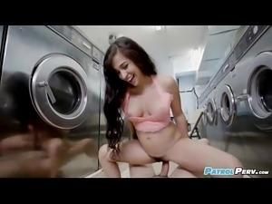 Annika Eve - Latina Gets Facial In Laundromat