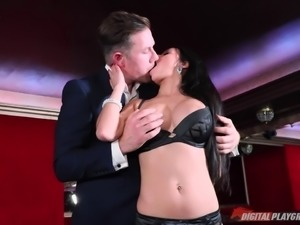 Unforgettable reverse cowgirl with a slutty brunette sex bomb