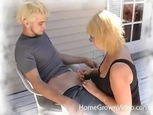 Sexy upskirt and pussy-fingering with slutty Cherry