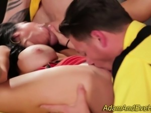 Milf gets double dicked