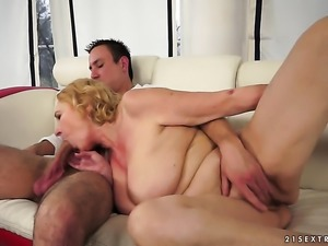 Blonde cant stop fucking