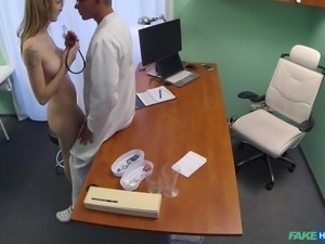 hot chick thanked the doctor by giving him a blowjob