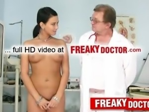 Speculum exam of Czech brunette Carmen Blue