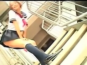 Asian schoolgirl shows off her ass, blows him and gets fing