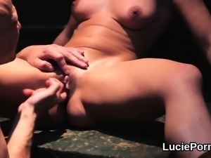 Amateur lesbo sweeties get their spread cunts licked and dri