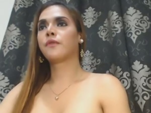 Horny Hot Tranny Masturbate and Unload her Cum