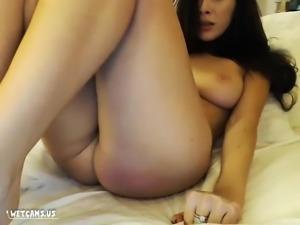 Masturbation orgasm for hot brunette on her wetcam