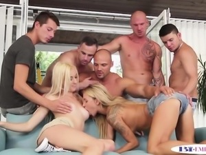 Bisexual hunks assfucking in group