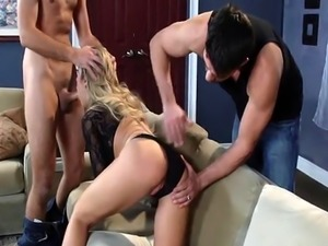 Bored Horny Wife gets soemthing new to try