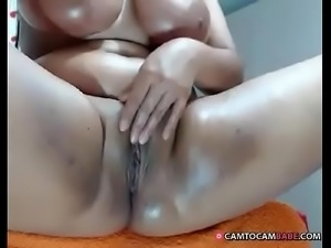 Hot chubby busty Latina girl live cam sex -  camtocambabe.com