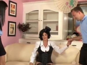 Hunk has threesome fuck with randy MILF and young babe