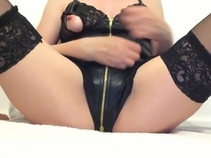 Solo girl masturbating her wet shaved squirting pussy