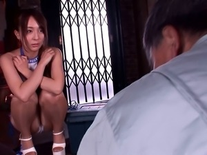 Jessica Kizaki is curious about a mature hunk's engorged cock