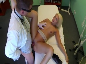 Real patient pussylicked by her doctor