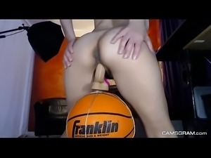 Brunette Camgirl Is Masturbating Tenderly - CAMSGRAM.com