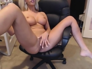 Big boobs Milf play with camshow