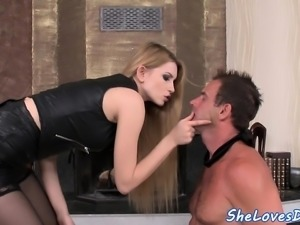 DP loving beauty fucked while sucking cock