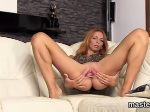 Naughty czech chick stretches her yummy vagina to the extrem