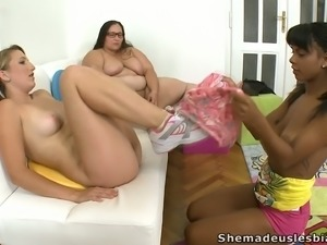 Kinky BBW teacher gives Kim & Kira strict directions about pussy eating