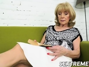 Nasty granny Szuzanne needs Olivers boner to bang her pussy