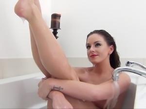 Kinky Kaedyn's cute pussy