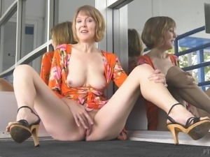 Mature honey Jamie spreads and pleases her clit with fingers