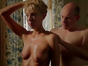 Riki Lindhome shower