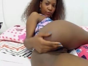 Hot Ebony Shows Pussy on Cam