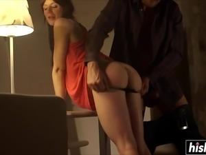 Samantha Bentley receives a fat schlong