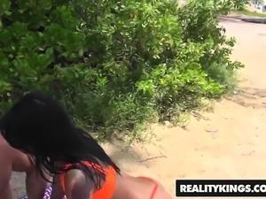 RealityKings - 8th Street Latinas - Damn Gina