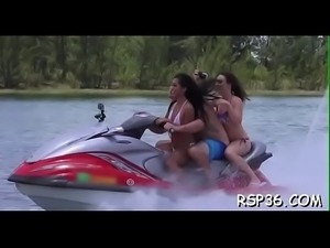 Teens try to share a shlong