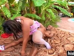 Ebony sucks a BBC before getting bonked