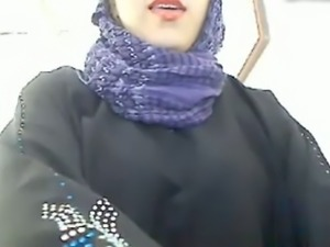 My super sexy wife in hijab masturbates her pussy