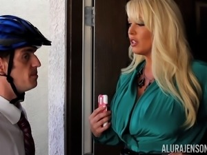Alura Jenson seduces a horny guy for a nice fucking session