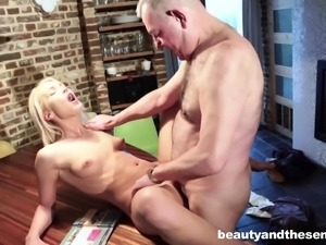 Mature guy's cock is all Cecilia Scott craves to feel in her hole