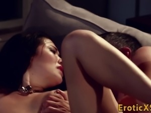 Asian babe gets pounded