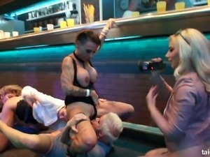 Kinky slut Francys Belle enjoying the party with her girls