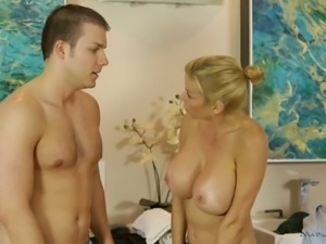 Alexis Fawx is extraordinarily nasty and what a nice blowjob she gives