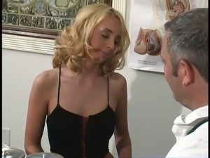 Hot Kelly Wells fucks her snatch with her vibrator in front of her doctor