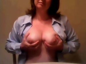 classy mom reluctantly cams her big jugs