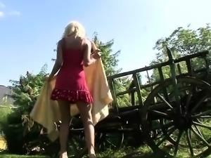 German Amateur Babe Outdoor Anal Masturbation